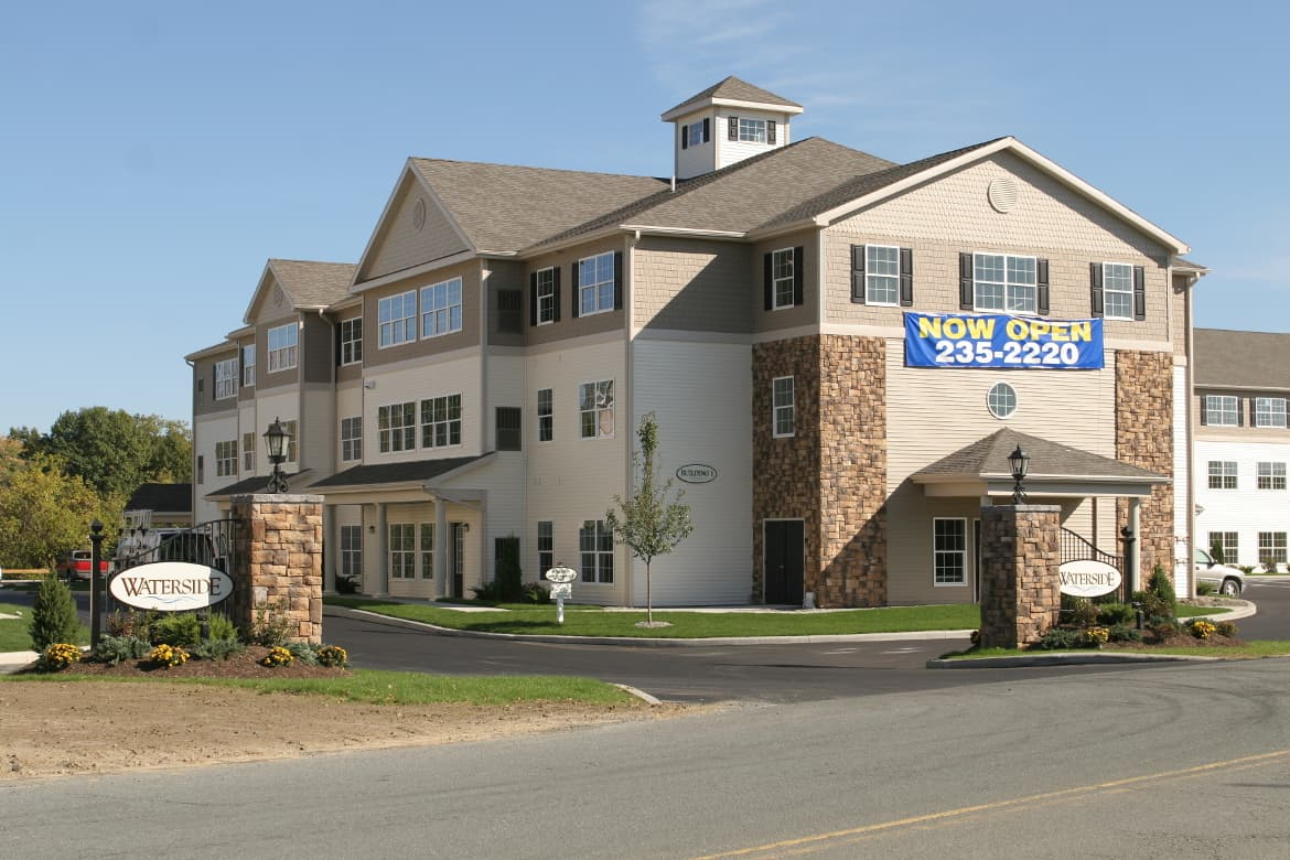 Waterside apartment senior living 50+ active lifestyle cohoes NY